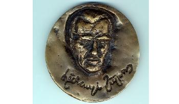 Széchenyi Zsigmondról is készült érem