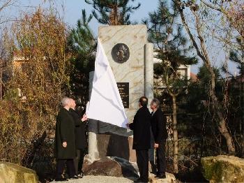 Emlékmű a szlovákiai magyar szórványban