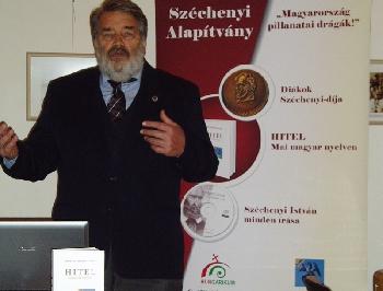 Buday Miklós nagy sikerű előadása Révkomáromban
