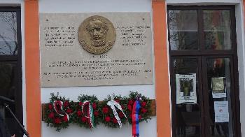Emléktábla Kovásznán